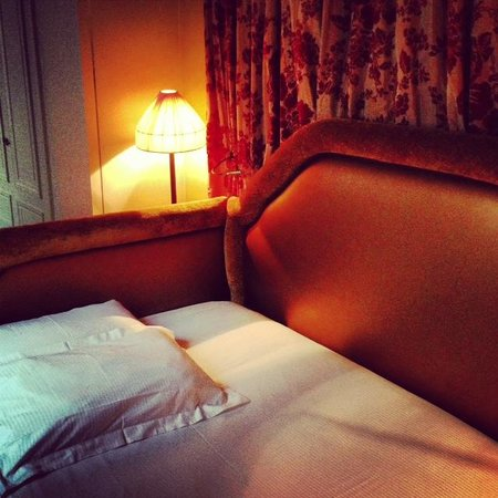 Hotel Odeon Saint-Germain: Small but cosy room