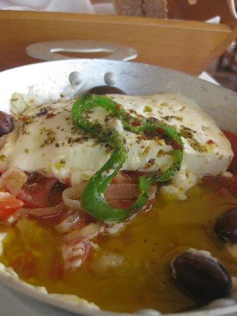 Taverna Panorama: Feta aus dem Ofen
