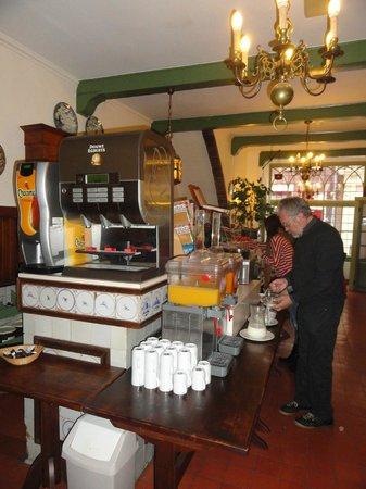 City Hotel Nieuw Minerva: Desayuno