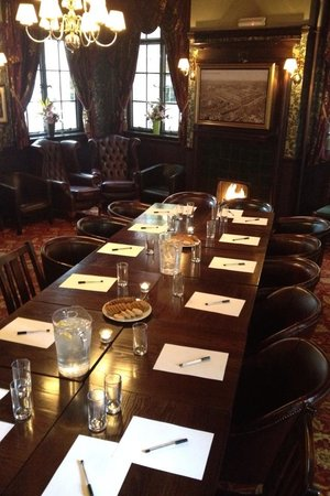 Two Chairmen Public House: Upstairs function room