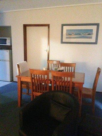 Admiral Motor Inn: Dinning room