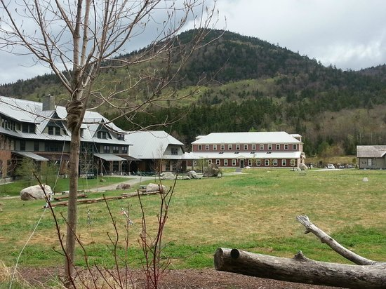 Highland Center Lodge at Crawford Notch: The lodge and bunkhouse