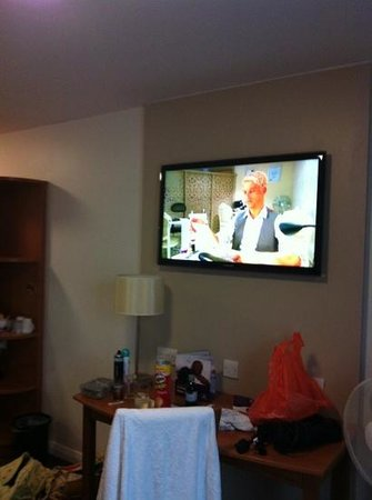 Premier Inn Hastings Hotel: big TV