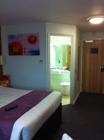 Premier Inn Hastings Hotel: clean room 210