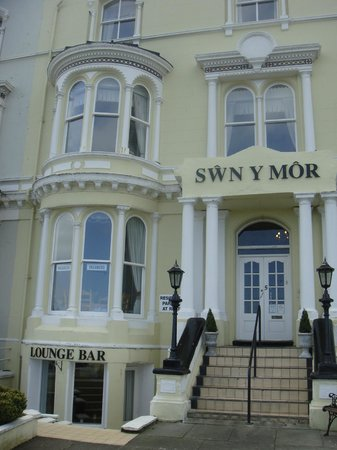 Swn Y Mor Hotel: Hotel front