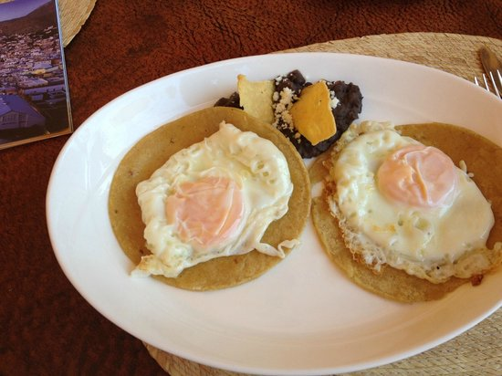 Mexico Lindo y Sabroso: Huevos Divorciados