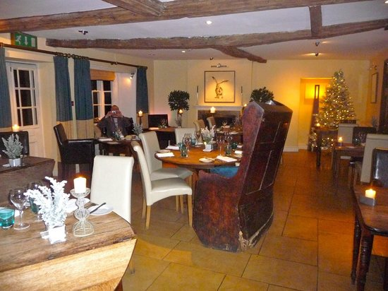 The Kings Hotel Chipping Campden: Hotel dining room 1