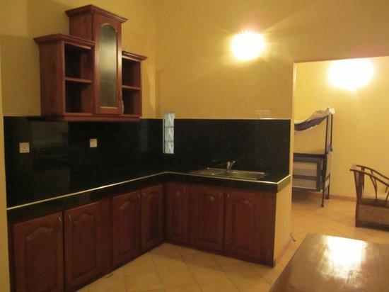 Paradise Holiday Village: kitchen
