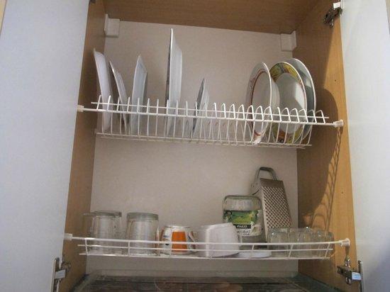 Melissa Hotel : Посуда на 2 номера