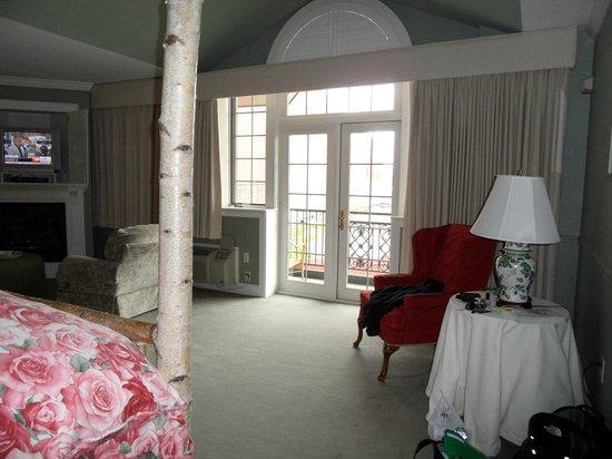 Lake Opechee Inn and Spa: private balcony