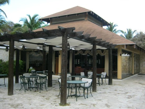 Grand Palladium Punta Cana Resort & Spa: Hemmingway Bar