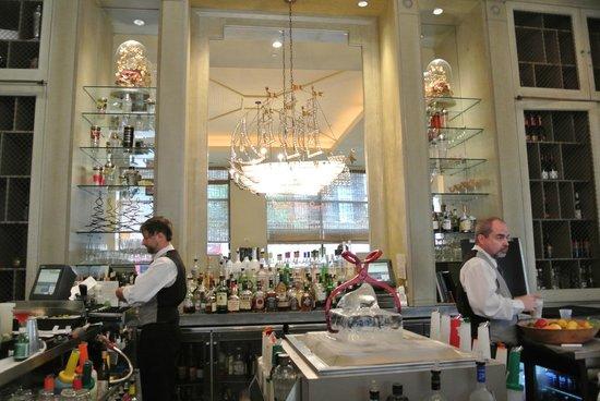 Loews New Orleans Hotel : Swizzle Stick bar