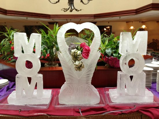 Westford Regency Inn: Mother's Day Ice Sculptures