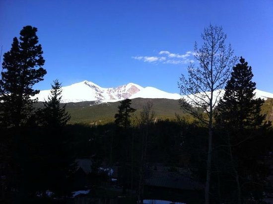 Dao House : This is Longs Peak view from our room on the balcony.