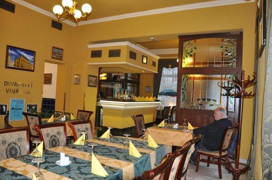 Grand Hotel Praha: Restaurant