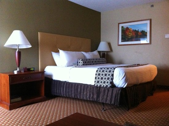 King Bed in Room 694