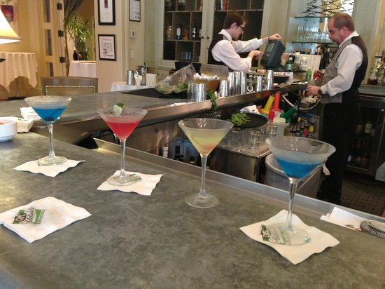 25 cent martinis - Picture of Cafe Adelaide & The Swizzle Stick ...