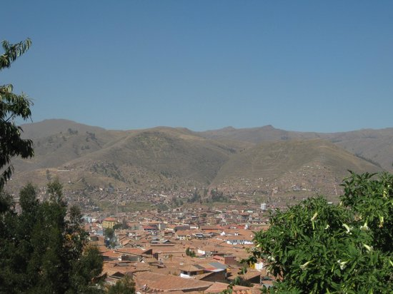 Samay Wasi Youth Hostels Cusco: Beautiful view of the city from the patio