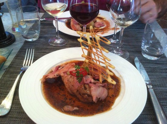 La Table Kobus : Nice and juicy Roasted Veal with Truffel Sauce