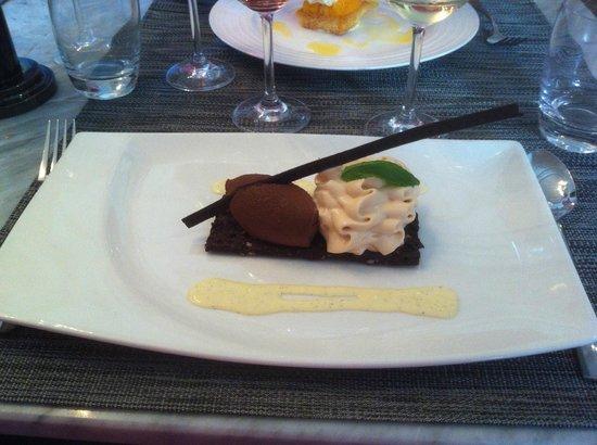 La Table Kobus: Modern Brownie