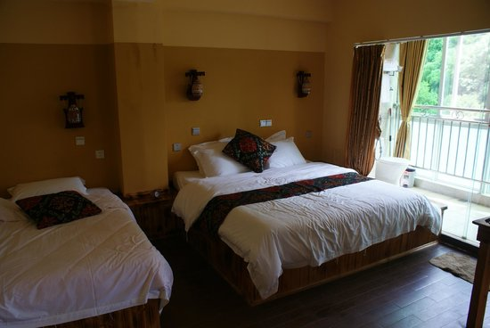 Yangshuo Village Retreat: Family room