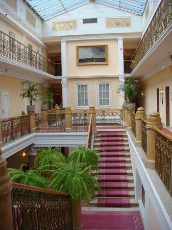 Hotel Sacher Salzburg: Hall