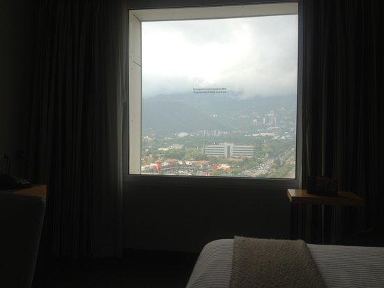 NH Collection Monterrey: Vista a la montaña
