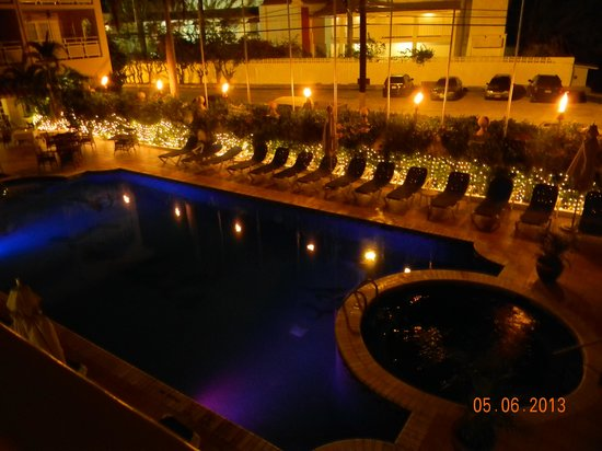 Sandals Inn: night time view