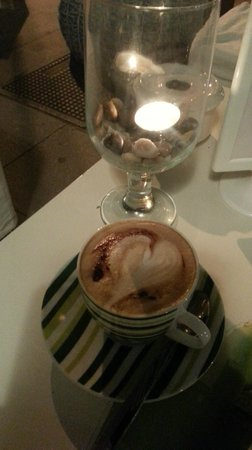 Kactus Café: un coeur dans la mousse :)