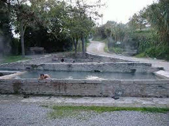 Vasche termali libere foto di aurora agriturismo termale - Agriturismo san casciano dei bagni ...