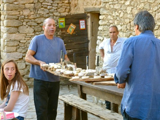 La Ferme du Castelas : Here comes the cheese!