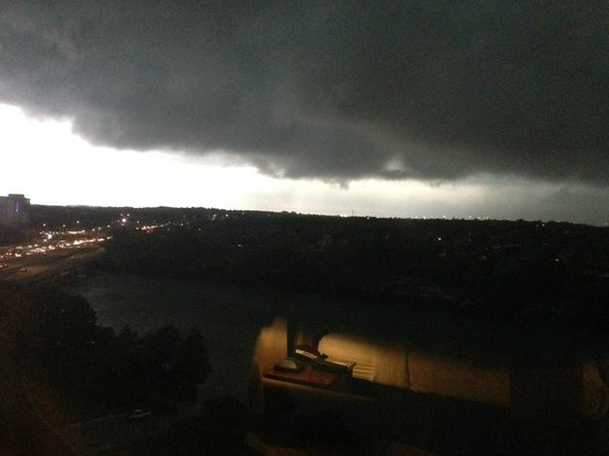 Holiday Inn Austin-Town Lake: Stormy weather from the Holiday Inn
