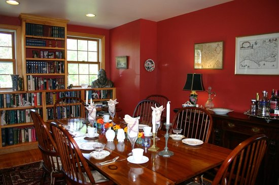 Dragonflies B&B: Dining Room