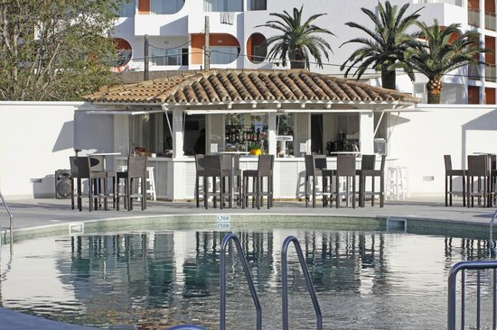 Caballero Hotel: Pool bar