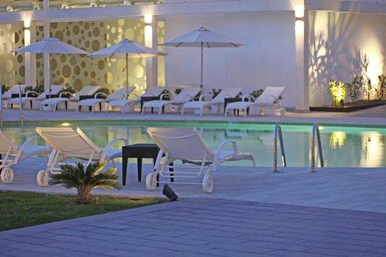 Caballero Hotel: Piscina