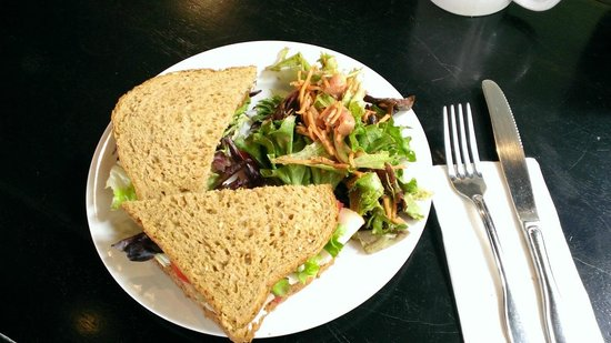The Bean Cafe: Whole Wheat Turkey Cranberry Sandwich