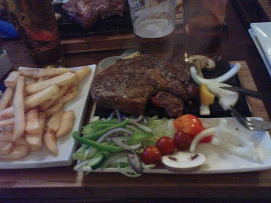 The Dragons Back & Bunkhouse: Nice steak