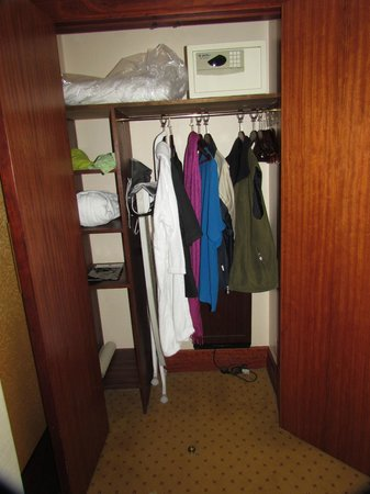 Grange Holborn Hotel: Closet