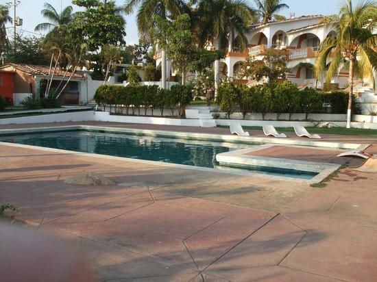 Hotel Villa las Brisas: front view of villa las brisas