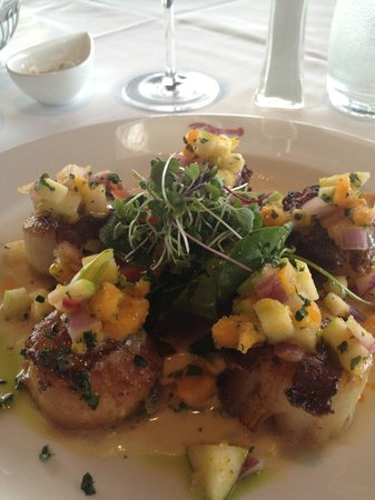 Joe Muer Seafood: Scallops wrapped with applewood smoked bacon