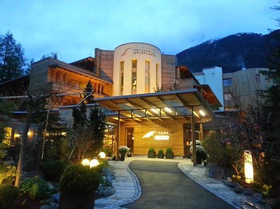 Naturhotel Waldklause: Hotel mit Hoteleingang