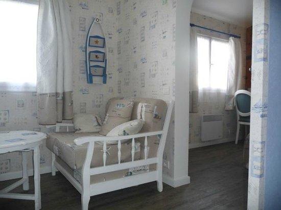 Hotel les Embruns : une chambre avec vue sur la saline