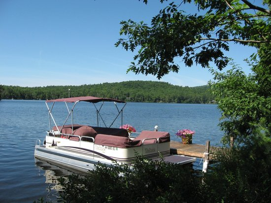 Dragonflies B&B: The Duchess, our pontoon boat