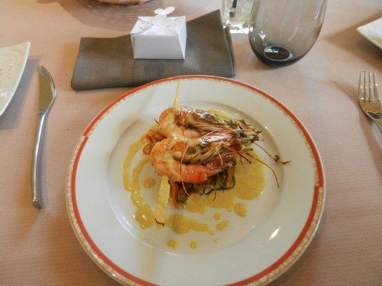 Pavillon Limere : ENTREE Brochette de gambas sauce curry et julienne de légumes