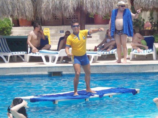 Iberostar Tucan Hotel : Senior Mauricio and water aerobics.