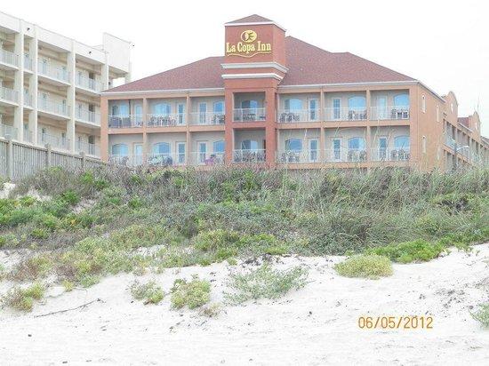 La Copa Inn Beach Hotel: View from the beach