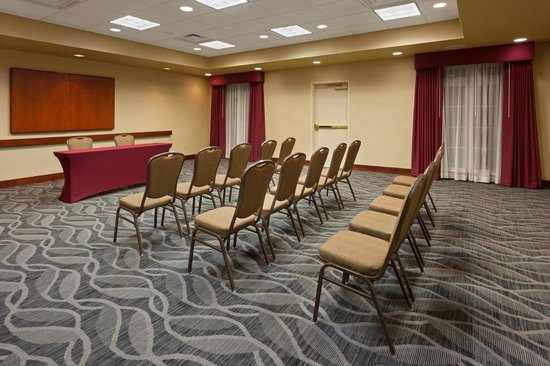 Homewood Suites Gainesville: Meeting Room