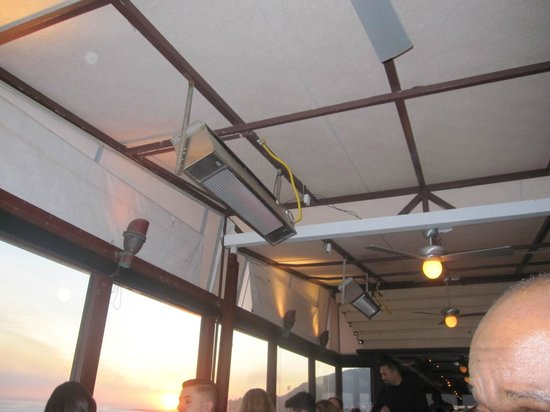 Chart House : Exterior heaters not on or working