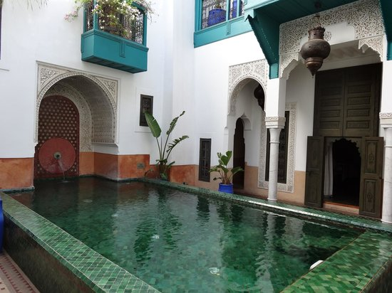 Riad Farnatchi: The pool