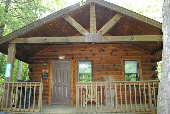 Buckeye Cabins: Front